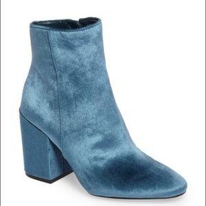 🦋Vince Camuto Destilly 2 Peacock Velvet Boots 🦋